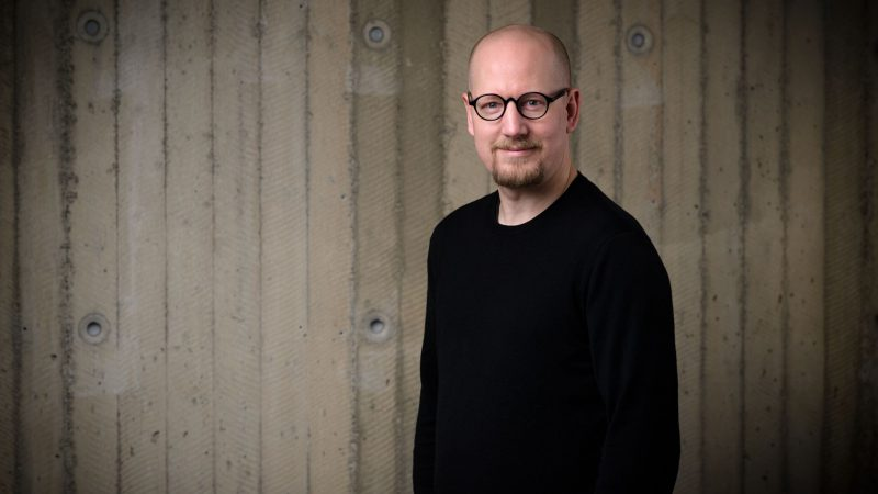 Porträttbild på Carl Heath
